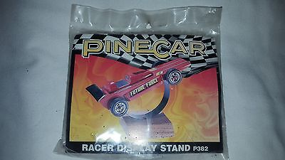 NEW PineCar Racer Display Stand P382