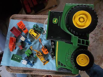 Ertl JOHN DEERE Diecast Toy Plastic Tractor Carrying Storage Case Plus Machinery