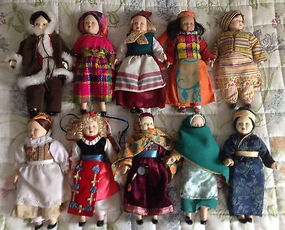 DOLLS OF THE WORLD COLLECTION LOT 3 x 10