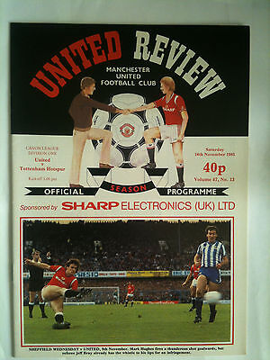 MINT 1985/86 Manchester United v Tottenham Hotspur 1st Division  with Token