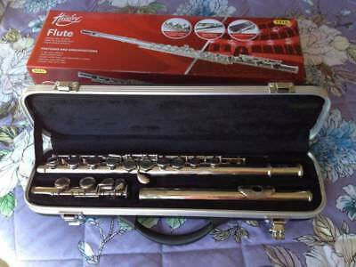 Student flute in good working condition