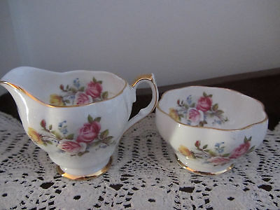 Sweet Little  ''queen Anne'' Floral - Sugar Basin & Cream / Milk Jug