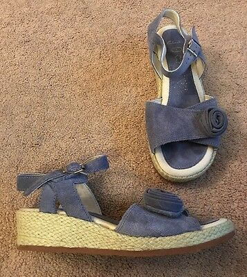 Girls Clarks Suede Wedge Heel Sandals Uk Junior Size 1 Adjustable Blue VGC !