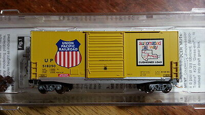 Micro Trains 10100040 UP UNIOIN PACIFIC 40' Hy-Cube Boxcar #518250