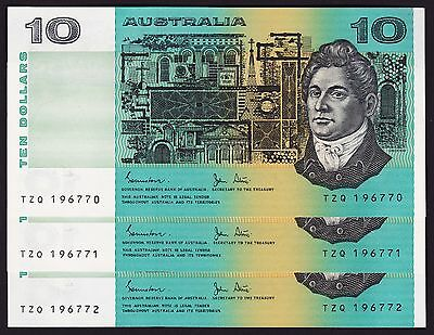 Ten Dollars $10 Australian Banknotes 1983 Johnston Stone P-308 Consecutive Trio
