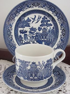 Mixed Vintage - ''blue Willow'' -  Cup / Saucer / Plate Trio