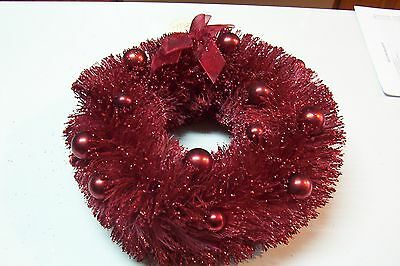 "KD Artist Vintage Style Red Bottle Brush Christmas/Valentine 12"" Wreath w/Bulbs"