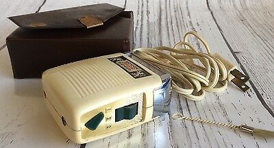 Vintage 1960s Schlick 10-66 3 Speed White Mens Electric Razor Shaver with Cord