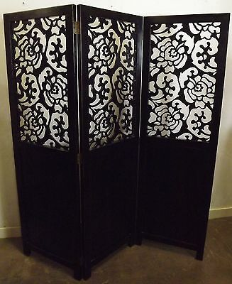 Antique Style Wooden Lacquered Fretwork Three-Fold Screen In The Oriental Style