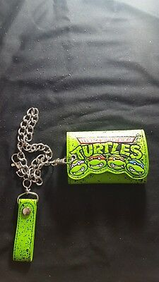 Teenage Mutant Ninja Turtles Nickelodeon  Green Tri-Fold Wallet with Chain VG+