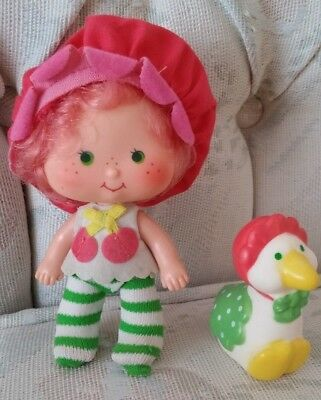 Vintage Strawberry Shortcake doll Cherry Cuddler and Gooseberry
