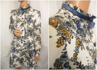 VINTAGE 1960s 14 PSYCH FLORAL 2-PIECE SKIRT SUIT PUSSY BOW HIGH RUFFLE NECK TOP