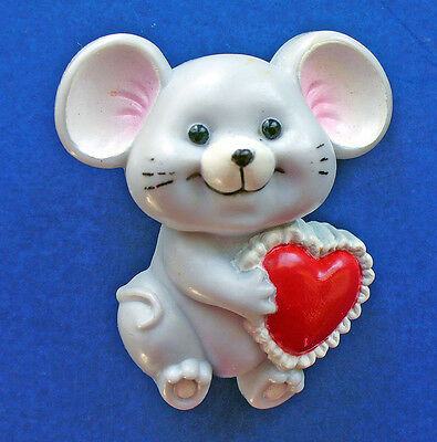 BUY1&GET1@50%~Russ PIN Valentines MOUSE Gray w Lacy HEART Vtg Holiday Brooch