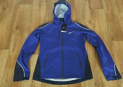 BNWT Women's Nike Hyper Shield Jacket. UK Size Medium