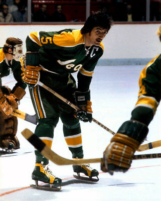Carol Vadnais Oakland Seals 8x10 Photo