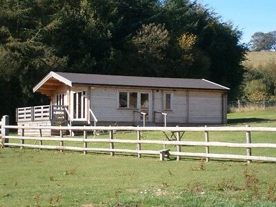 Log Cabin 4   night  break  MONDAY 23RD OCT  --FRIDAY 27TH OCT