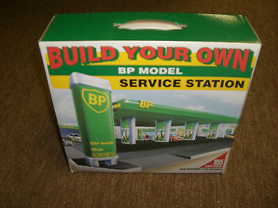 BP model 1995 edition toy service station