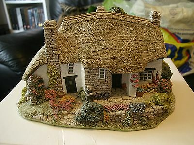 Lilliput Lane , Old Mother Hubbard. Boxed