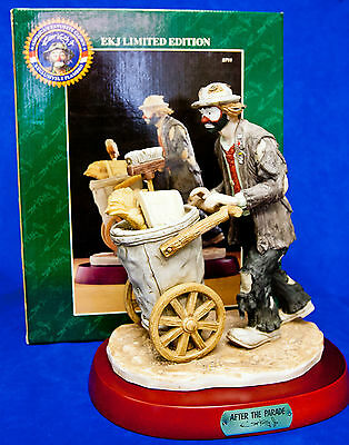 Emmett Kelly Jr Limited Edition 'after The Parade'  Figurine - Signed