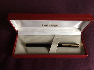 smart looking barely used Sheaffer white spot 286 fountain pen in black boxed
