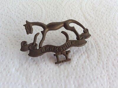 """WW1 """" The Berkshire Imperial Yeomanry """" Cast Metal Hat Badge , Original Issue"""
