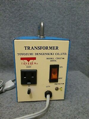 Toyozumi Dengenkiki CD117-06 Portable Transformer, 117 Volt to 100 Volt