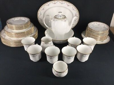Queens China Garland Rose Dinner Service 68 pieces (ref B610)
