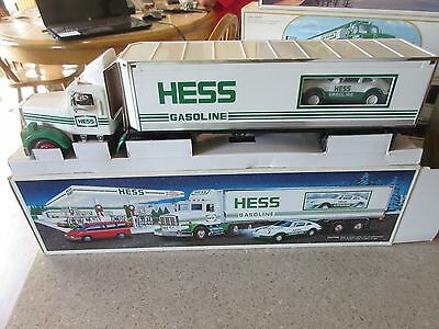Hess Truck 1992 Toy Truck  NIB Never Played with or Displayed