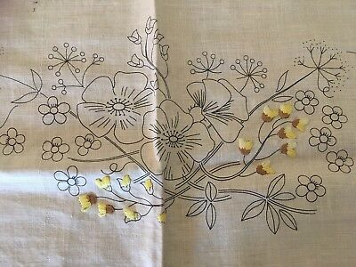 Fabulous Traced Linen Spring Flower Edged Tablecloth To Complete Embroidery exc