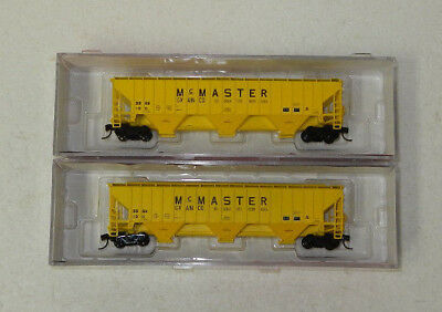 2 x InterMountain N Scale McMaster Grain 3 Bay Covered Hoppers #2