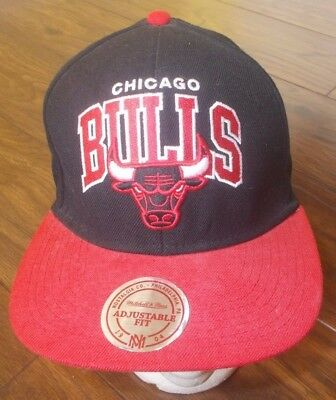 Official CHICAGO BULLS NBA Mitchell And Ness Snapback Cap