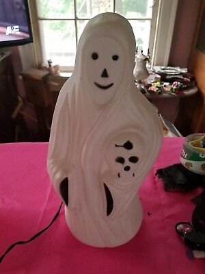 """Halloween Ghost Holding A Skull Light Up Bayshore Blow Mold 13"""" Tall Excellent !"""