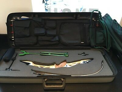 Winstar 2 Recurve Archery Bow set with take down limbs. Bundled with everything.