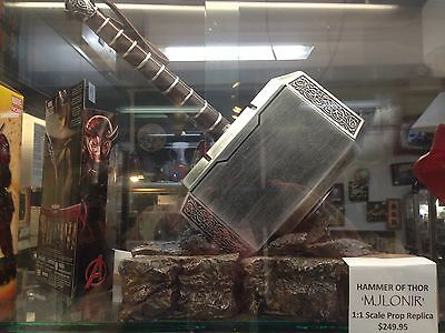 Marvel Comics - 1:1 Scale High Quality Cold Cast 'mjolnir - Hammer Of Thor'