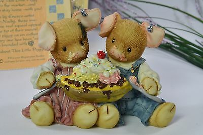 "Enesco This Little Piggy ""Love is Piggin' Out With You"" 1996 Figurine 207772"