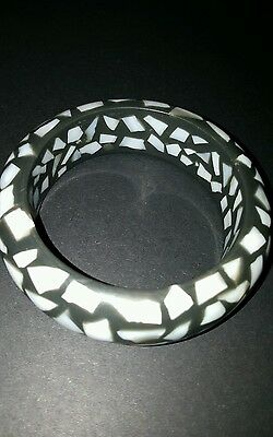 Vintage chunky mother of pearl inlaid bangle