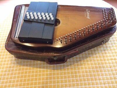 Oscar Schmidt Classic 21 Chord EBH/R Autoharp in excellent condition! With case.