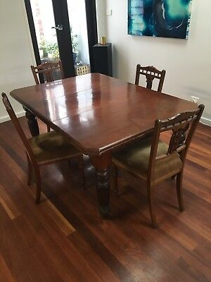 Antique Victorian Extendable Dining Table