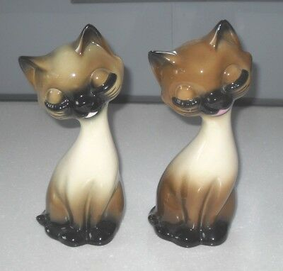 VINTAGE RETRO 1960s KITSCH FUNKY TWO CAT CERAMIC FIGURINES VERY STYLISH