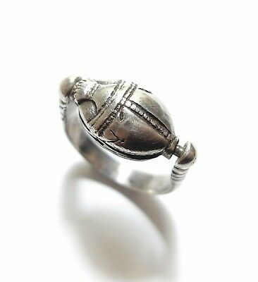 Beautiful Vintage Or Modern Egyptian Scarab Beetle Amulet Swivel Ring Band (A7)