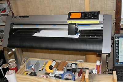Graphtec ce6000-40 Vinyl Cutter 3 months old many many extras over $2K invested