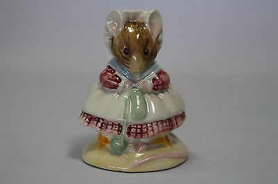 Beswick Beatrix Potter The Old Women who lived in the Shoe Knitting BP3c