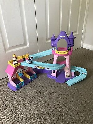 fisher price little people Castle And Horses