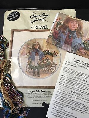 CREWEL EMBROIDERY KIT No 40215 Forget Me Nots from Lil' Peddler's by LEE DUBIN