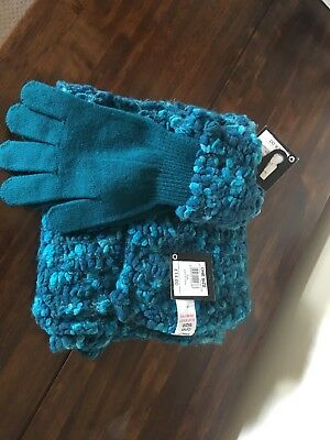 Women's Teal Scarf and Glove set