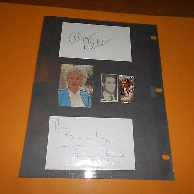 2 Michele Lee actress, singer Olympia Dukakis & Jeremy Irons Hand Signed 4 Items