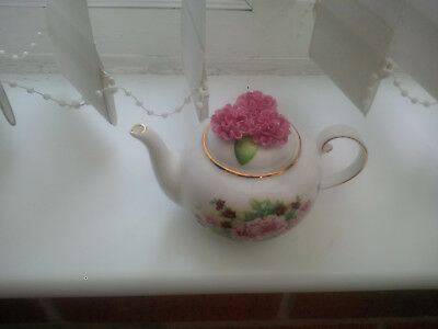 Royale Stratford The Country Cottage Teapot Selection Old Fashioned Pinks Design