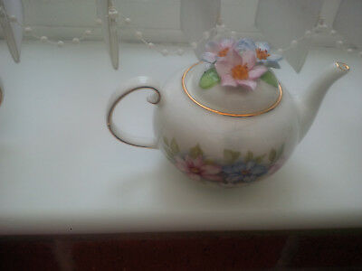 """Royale Stratford The Country Cottage Teapot Selection """"clematis"""" Design"""