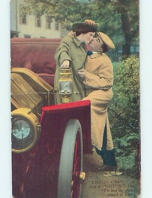c1910 COUPLE KISSING ON VERY OLD ANTIQUE AUTOMOBILE CAR HL4669