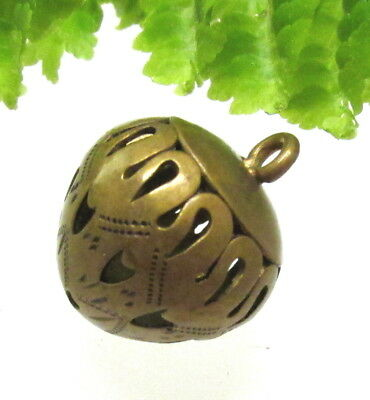 Unusual Victorian Brass Acorn Button W/ Cut Out Hearts T40